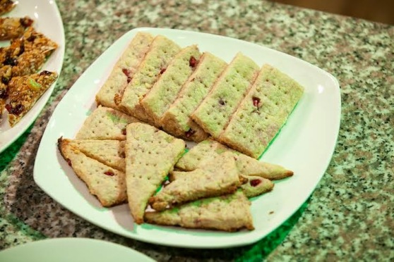 Garri, rice and pomegranate short bread